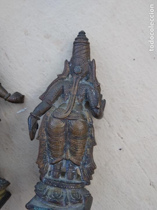 Arte: Antiguas figuras de bronce asiáticas, muy bonitas. Vitrina central. - Foto 8 - 262371885