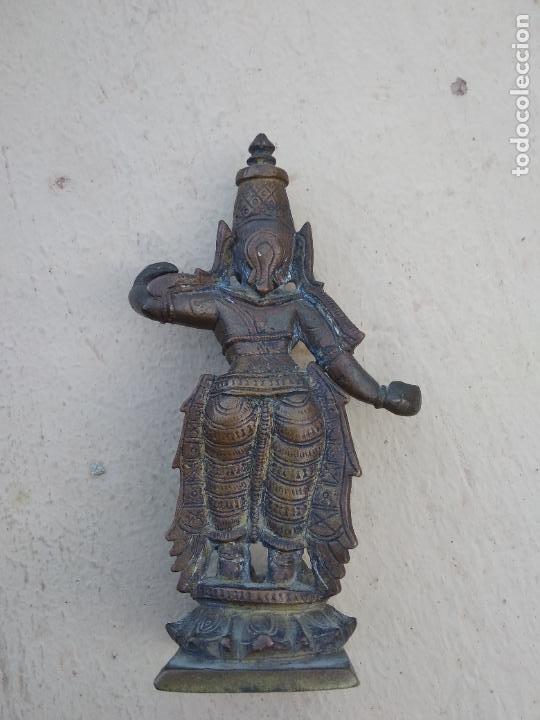 Arte: Antiguas figuras de bronce asiáticas, muy bonitas. Vitrina central. - Foto 11 - 262371885