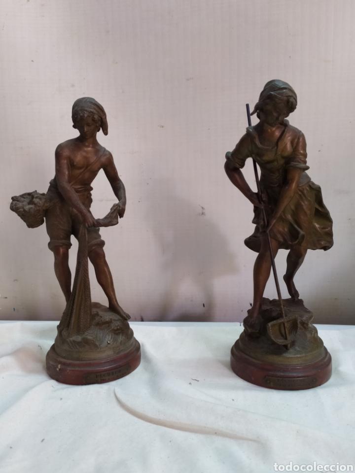 ANTIGUA PAREJA DE ESCULTURAS FRANCESAS AUGUSTO MOREAU SIGLO XIX (Arte - Escultura - Hierro)