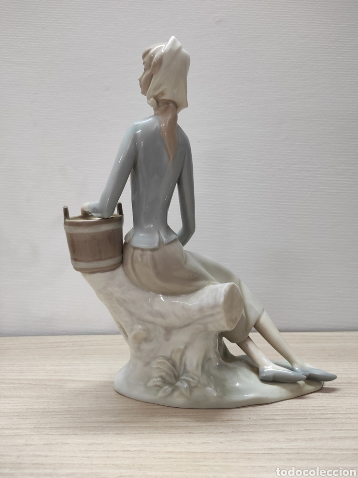Arte: Figura porcelana policromada mujer NAO - Foto 2 - 271033233