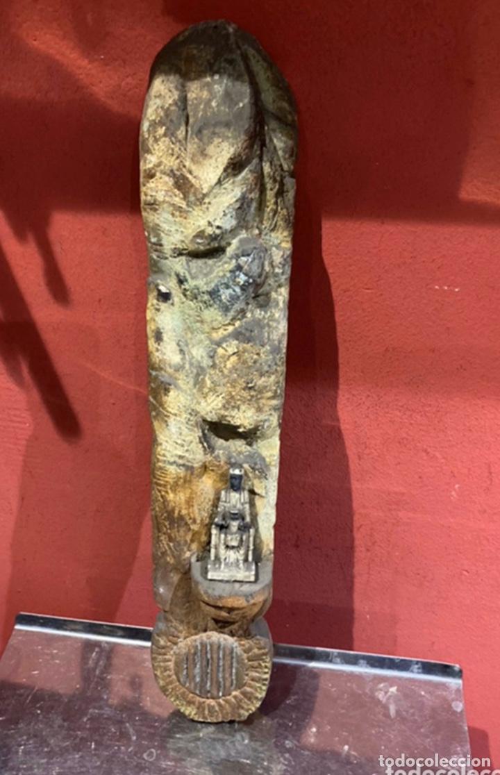 PRECIOSA ESCULTURA RELIGIOSA DE PIEDRA CATALANA CON FIGURA VIRGEN NEGRA DE MONSERRAT.VER FOTOS (Arte - Escultura - Piedra)