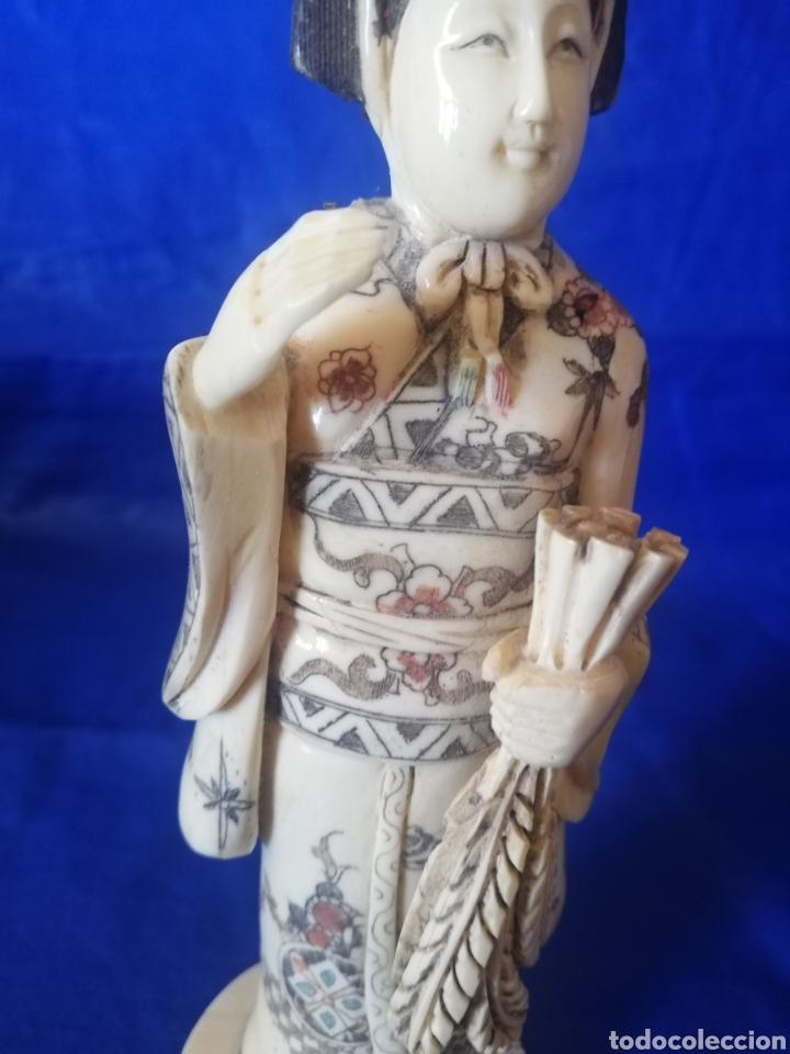 Arte: Antigua escultura de hueso con policromia y bellos detalles.. 23 cm..Tengo otra en mi página. - Foto 2 - 272231668