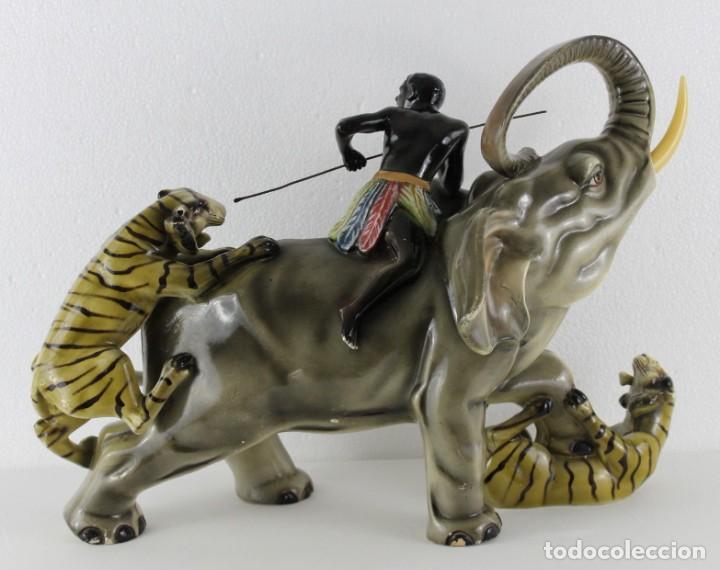 Arte: Figura de gran tamaño en terracota policromada. Blackamoor Lucha entre elefante y tigres - Foto 15 - 275209073