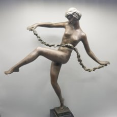 Arte: ESCULTURA ART DECO BRONCE MUJER BAILARINA CINTA FIRMADA PIERRE LE.FAGUAYS ANTIGUA. Lote 276714843