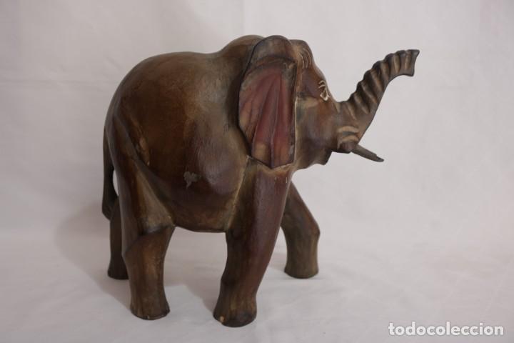 Arte: Curiosa escultura de un elefante africano tallado a mano en madera - Foto 3 - 277095308