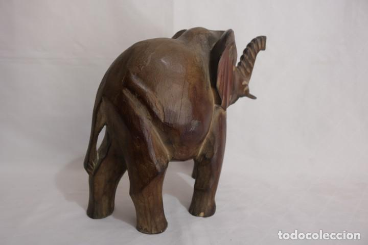 Arte: Curiosa escultura de un elefante africano tallado a mano en madera - Foto 4 - 277095308