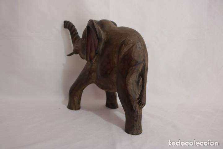 Arte: Curiosa escultura de un elefante africano tallado a mano en madera - Foto 7 - 277095308