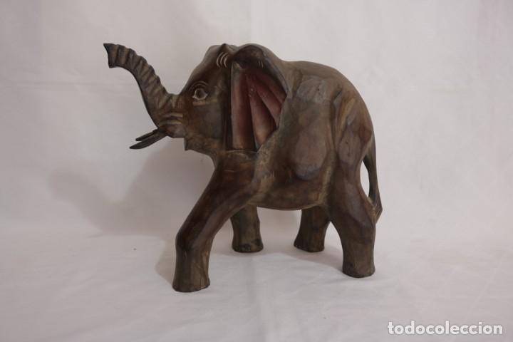 Arte: Curiosa escultura de un elefante africano tallado a mano en madera - Foto 8 - 277095308