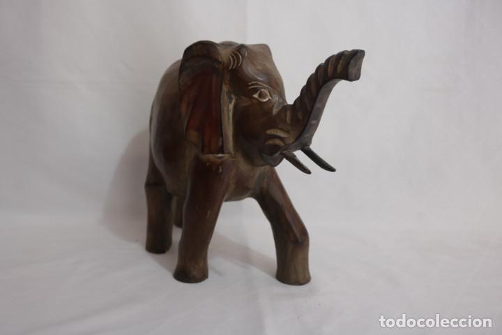 Arte: Curiosa escultura de un elefante africano tallado a mano en madera - Foto 11 - 277095308