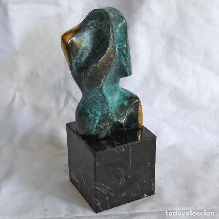 BUSTO ESCULTURA EN BRONCE PATINADO SOBRE PEANA DE MÁRMOL (Arte - Escultura - Bronce)