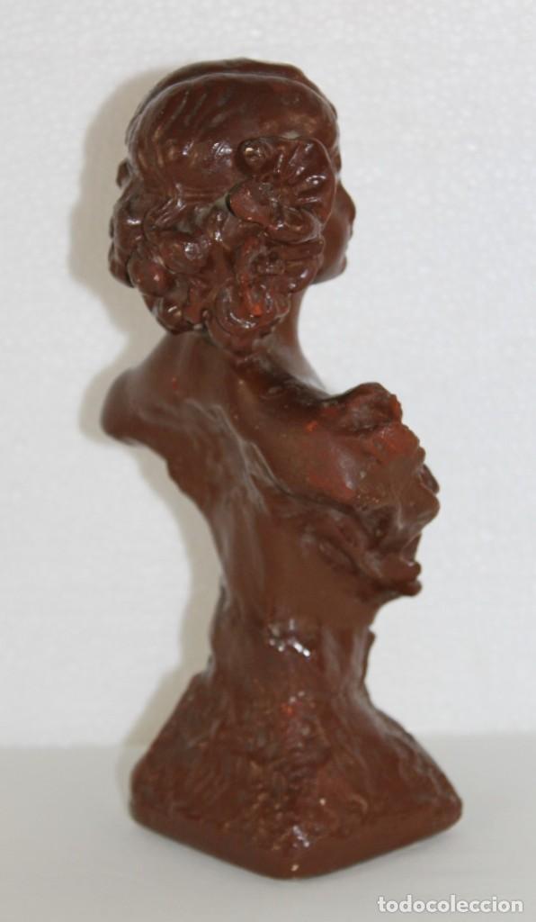 Arte: Busto de ninfa art nouveau en estuco policromado titulada AOUT. Principios siglo XX - Foto 6 - 282540503