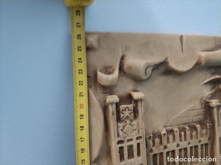 Arte: Fachada en relieve de la Estacion tren del Norte de Valencia con firma de I. Frances - Foto 8 - 287443418