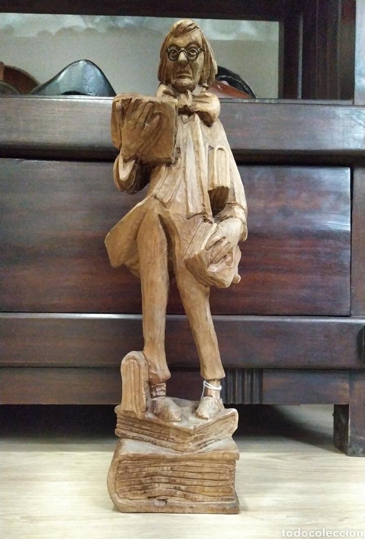 FIGURA ESCRITOR (Arte - Escultura - Madera)
