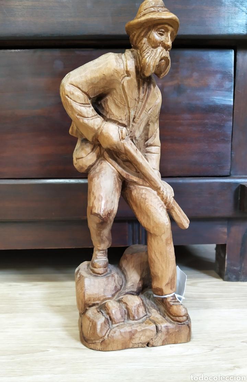 FIGURA CAZADOR (Arte - Escultura - Madera)