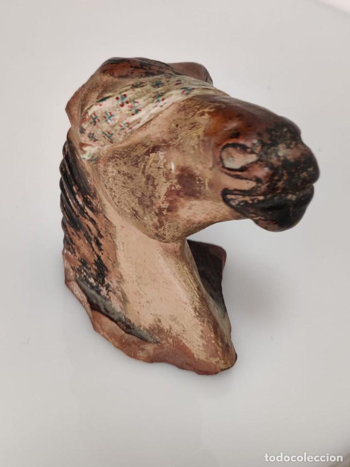 Arte: Busto en terracota de caballo con pañuelo, picador o bandolero. Atribuido Cubero - Foto 2 - 288930313