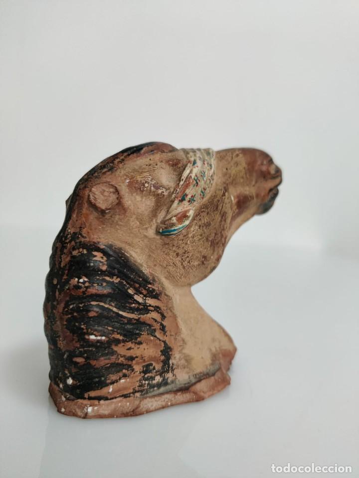 Arte: Busto en terracota de caballo con pañuelo, picador o bandolero. Atribuido Cubero - Foto 6 - 288930313