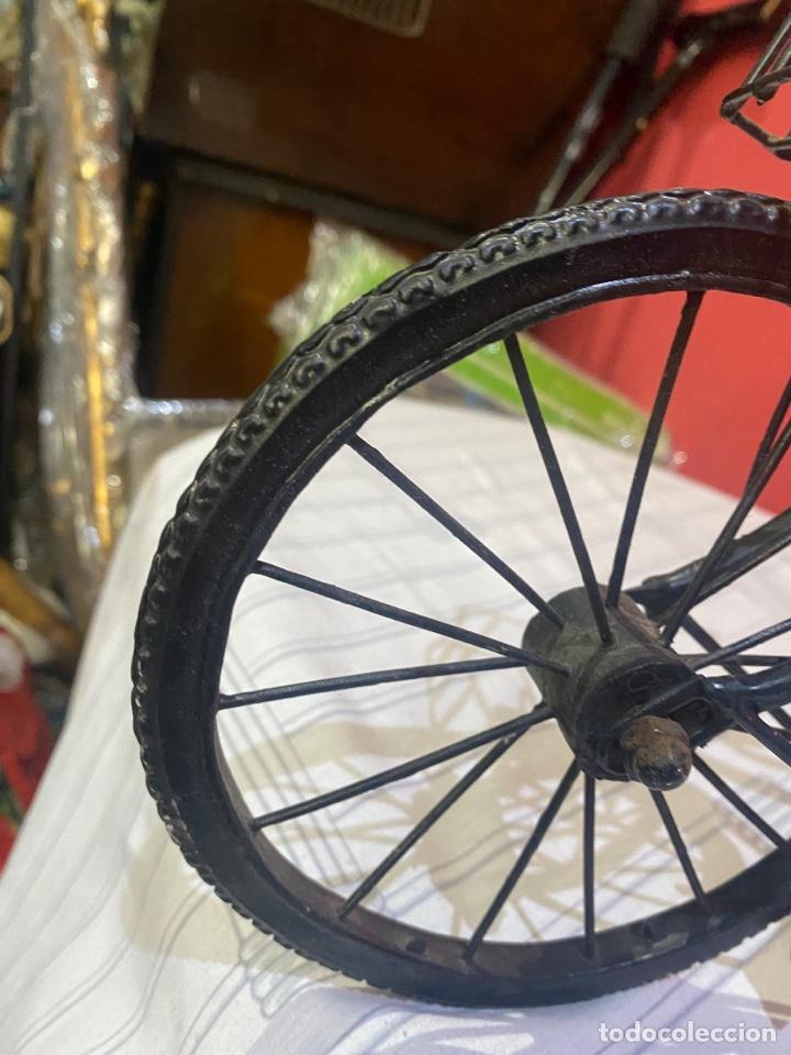 Arte: Escultura bicicleta de hierro hecha a mano (45 x 27 cm ) . Buen estado Ver las medidas en fotos - Foto 3 - 289573488
