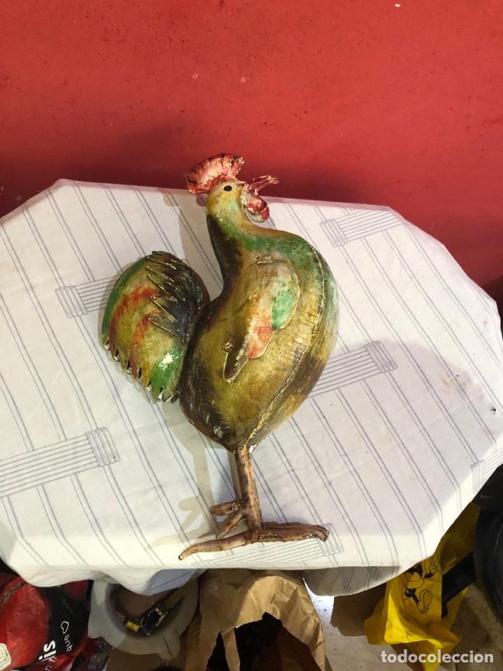 Arte: Figura o escultura gallo metal pintado a mano medidas (40x20 cm ) ver fotos - Foto 15 - 289596488