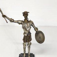 Arte: ESCULTURA EN BRONCE Y METAL PLATEADO - FIGURA DON QUIJOTE DE LA MANCHA - PEANA EN MÁRMOL. Lote 289866808