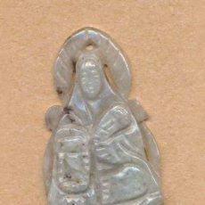 Arte Étnico: POST 491 - COLGANTE ESCULTURA EN JADE O PIEDRA CON VIRGEN Y AUREOLA 4 X 2.5 CMS. Lote 25709728