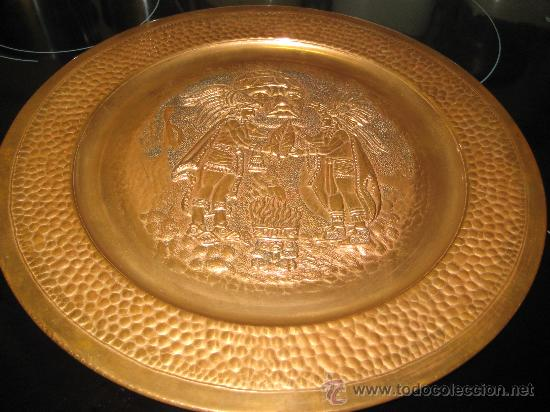 Arte: PLATO DE COBRE CON PAREJA DE INDIOS ( SEÑALES DE HUMO ) AZTECA MEXICO - Foto 5 - 26891047