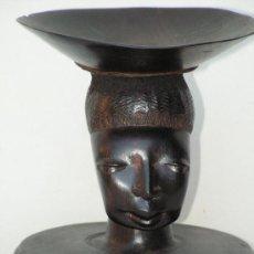 Arte: TALLA AFRICANA EN MADERA DE ÉBANO. CABEZA DE MUJER CON RECIPIENTE. ANTIGUA, AÑOS 50.. Lote 32801985
