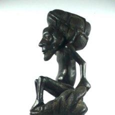 Arte: ESCULTURA AFRICANA DE MADERA, POSIBLEMENTE ÉBANO. 56 CM DE ALTO,. Lote 36008362
