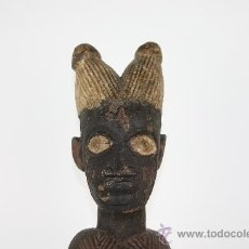 Arte: TOTEM AFRICANO TALLADO EN MADERA -MUJER CON CUENCO- PRIMER TERCIO SIGLO XX. Lote 37674053