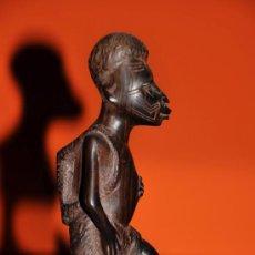 Arte: PERSONAJE TALLA EN MADERA AFRICANA. Lote 38945245