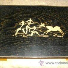 Arte: ANTIGUA CAJA DE PUROS O CIGARILLOS DE MADERA CON GRABADOS DE ARTE RUPESTRE. Lote 41067143