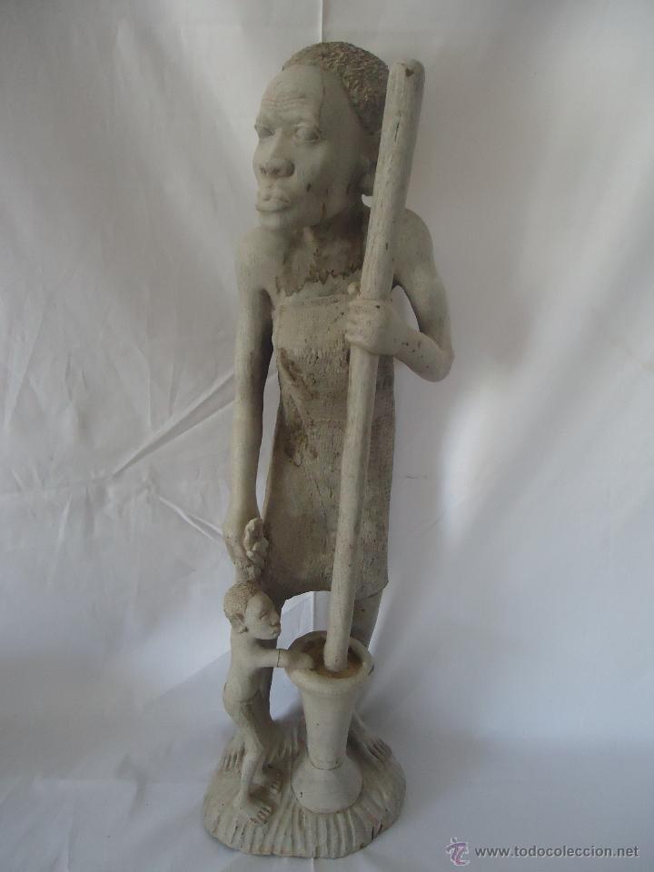 GRAN ESCULTURA FIGURA MUJER AFRICA MADERA TALLADA Y TRATADA (Arte - Étnico - África)