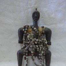Arte: ANTIGUO MUÑECO FETICHE DE LA FERTILIDAD, DE TRIBU DE NAMJI DE CAMERUN, AFRICA. Lote 42762251