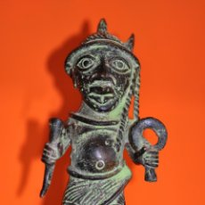 Arte: FIGURA AFRICANA DE BRONCE DE BENIN , 18 CM.. Lote 44177416