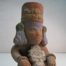 Arte: REPLICA FIGURA CHAMAN PRECOLOMBINA FIRMADA AUT INAH R.I. 134 MEXICO MAYA AZTECA. Lote 44304136