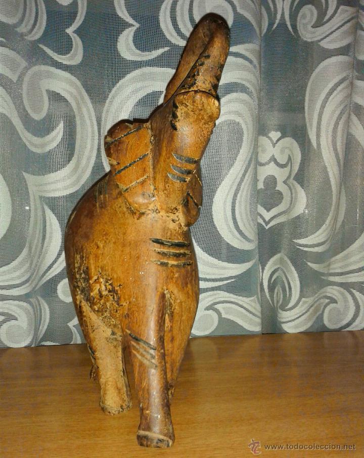 Arte: Antiguo elefante tallado en madera africano 30 x 14 cmtrs. - Foto 4 - 124677711