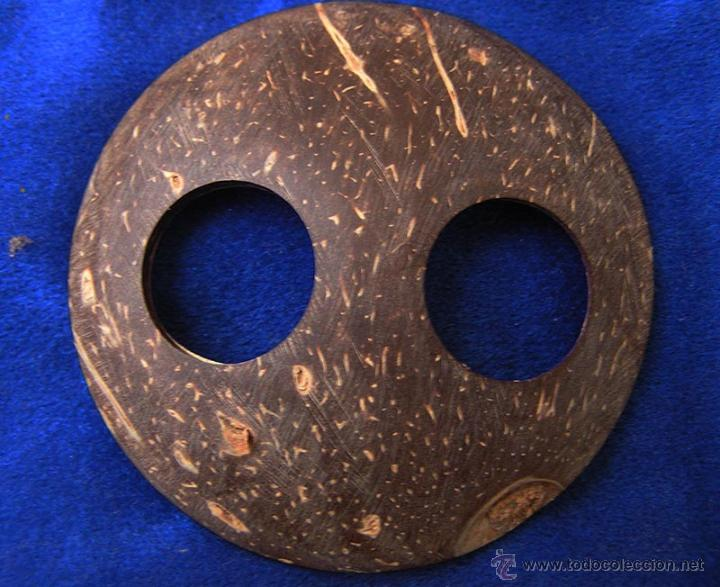 TANZANIA / APLIQUE MADERA COCO ETNIA DATOGA (Arte - Étnico - África)