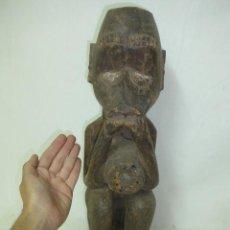 Arte: ANTIGUA GRAN ESCULTURA RELICARIO DE MADERA TALLADA AFRICANA, DE TRIBU, AFRICA. Lote 49425122