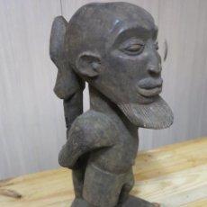 Arte: ARTE AFRICANO: FIGURA PRISIONERO BEMBE (REPUBLICA DEMOCRATICA DEL CONGO). Lote 49459536