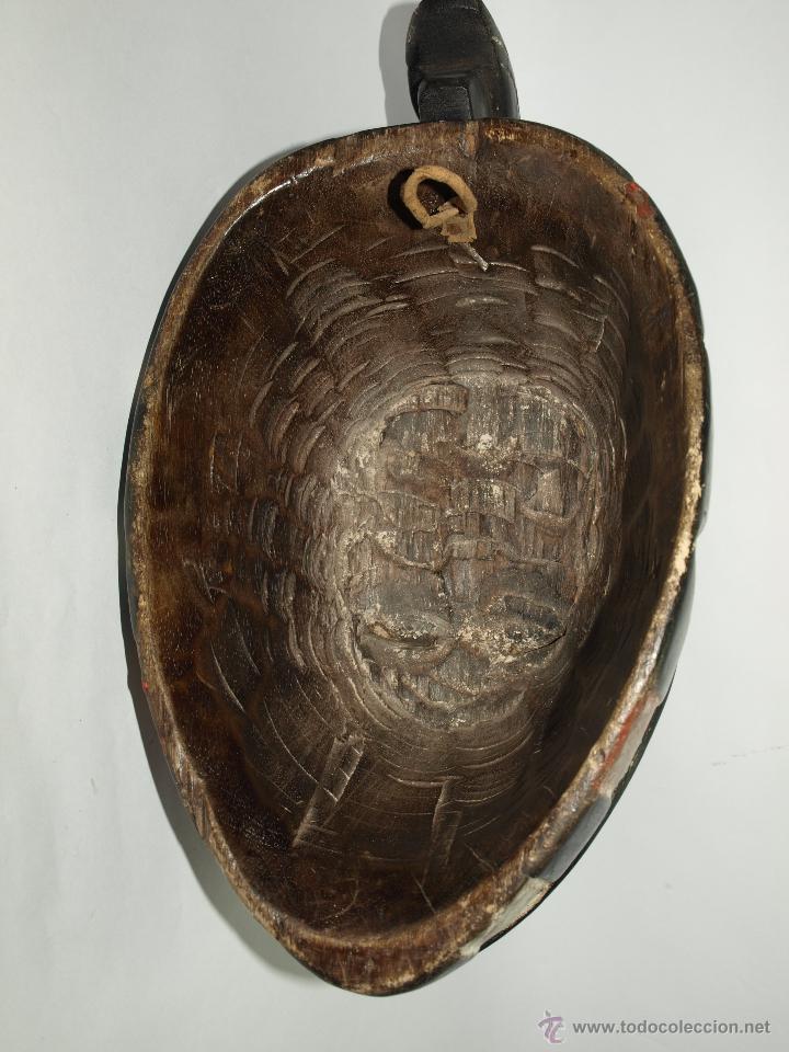 Arte: MASCARA DE MADERA - CAMERÚN- ELABORADA A MANO-38 CM DE LARGO APROXIMADAMENTE - Foto 3 - 51484049