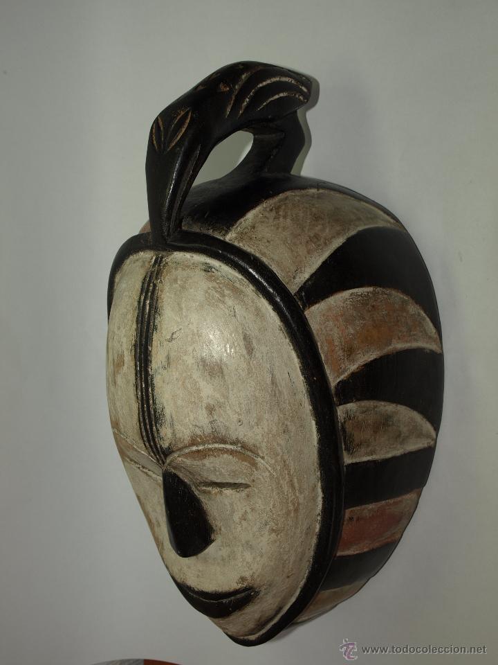 Arte: MASCARA DE MADERA - CAMERÚN- ELABORADA A MANO-38 CM DE LARGO APROXIMADAMENTE - Foto 4 - 51484049