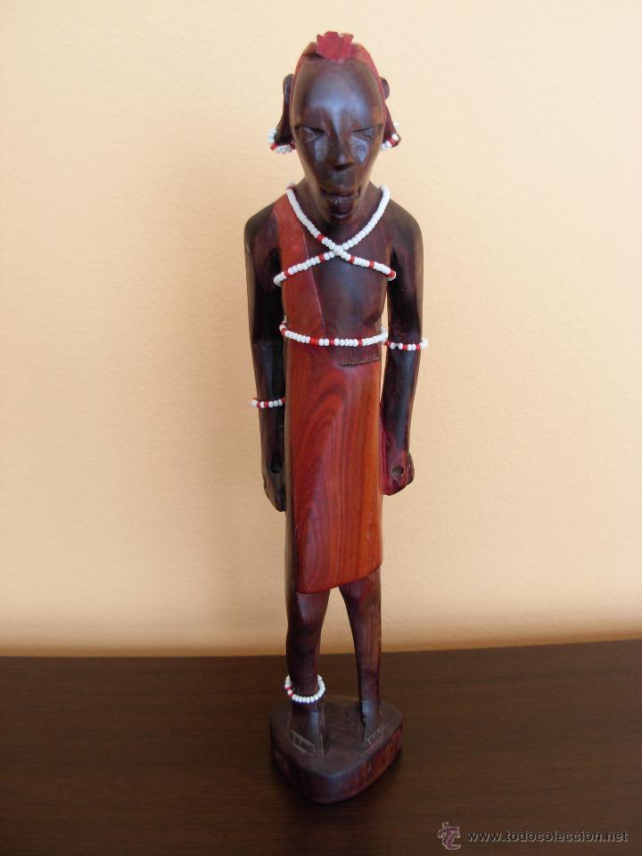TALLA DE MADERA AFRICANA POLICROMADA (Arte - Étnico - África)