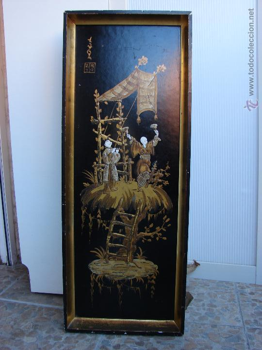 CUADRO LACADO CHINO ANTIGUO. PINTURA CHINA SOBRE TABLE. TEMA CHINO. CON MARDO DORADO ORIGINAL (Arte - Étnico - Asia)