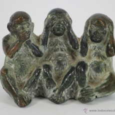 Arte: LOS TRES MONOS SABIOS. EN BRONCE JAPONES. SIGLO XVIII-XIX.. Lote 49349905