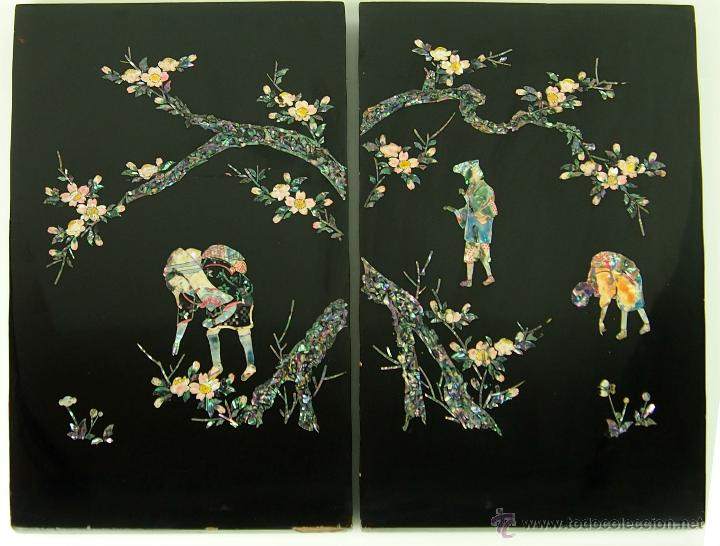PAREJA DE PLAFONES DECORATIVOS. LACA Y NACAR COLOREADO. ORIENTE MEDIO.CIRCA 1920 (Arte - Étnico - Asia)