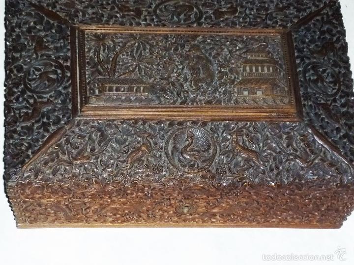 Arte: Caja tallada representando la caza del oso - Foto 2 - 55227828