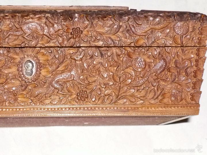 Arte: Caja tallada representando la caza del oso - Foto 11 - 55227828