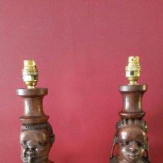 Arte: MAGNIFICA PAREJA DE LAMPARAS AFRICANAS TALLADAS A MANO EN MADERA CAOBA - 41 CM. Lote 55397832