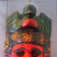 Arte: MASCARA DE MADERA GUERRERO AZTECA-MAYA,MEXICO TALLADA Y PINTADA A MANO.AGUILA Y COCODRILO.. Lote 100642904