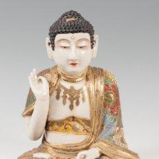 Arte: SHAKA-NYORAI BUDA EN PORCELANA SATSUMA; JAPÓN, CIRCA 1900, PERIODO MEIJI.. Lote 57441235