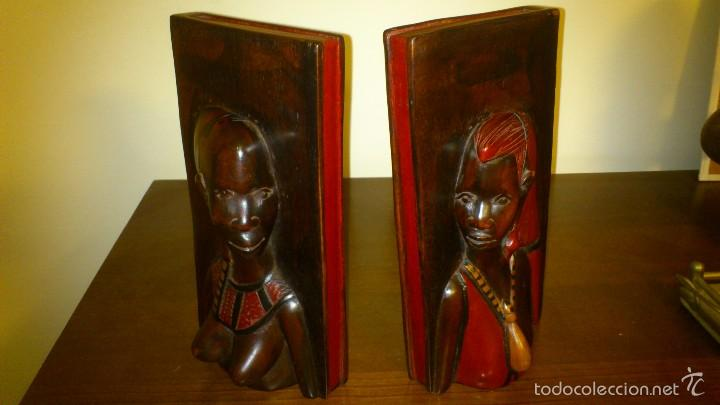 ARTE AFRICANO SUJETA LIBROS MADERA TALLADA ÉTNICO (Arte - Étnico - África)